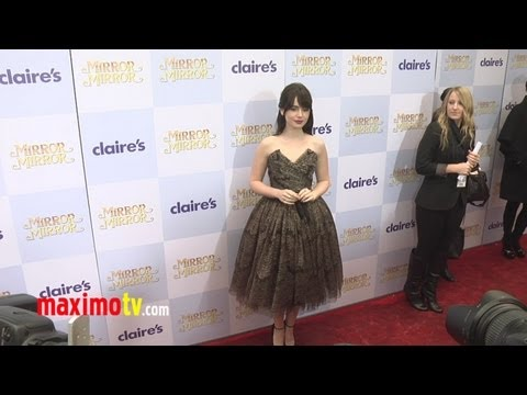 MIRROR MIRROR Movie Premiere  Extended UNCUT Video in HD Lily Collins, Julia Roberts
