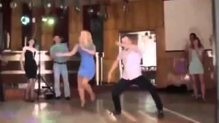 201 Танцы девушек и парней, их приколы на дискотек...