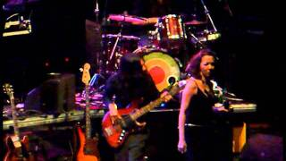Thievery Corporation - A Warning (dub) + Web of Deception (live @ Lycabettus - Athens, 14/7/11)