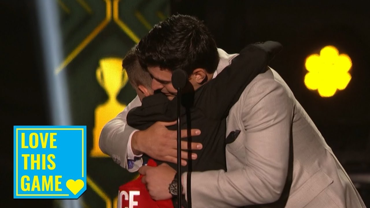 Carey Price emotionally reunites with young fan on stage at 2019 NHL Awards