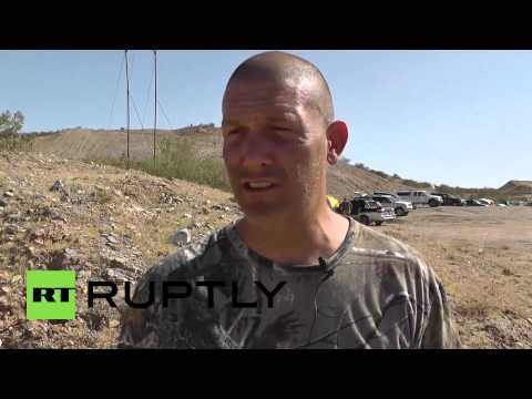 """USA: Armed militia defend Bundy ranch from """"government corruption"""""""