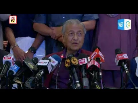 It's all up to me, Dr M says on power transition plan