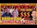😜👫Brian Gambles with LIVING IN LAS VEGAS! 🎰🎉 ✦ Slot Machine Pokies w Brian Christopher
