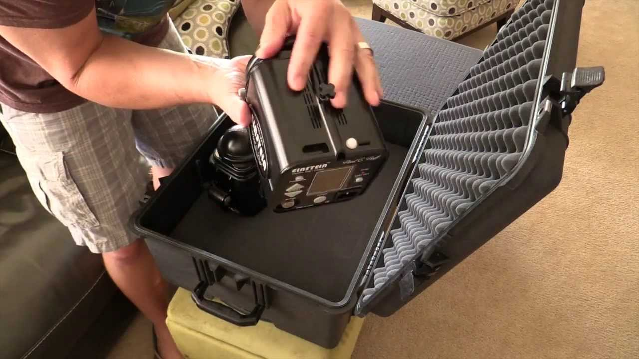 & Einstein 640 Pelican Case Solution for 4 heads plus cords - YouTube azcodes.com