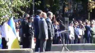 Новая Одесская полиция. Присягу полиции принимают: Звезда ОнЖеГога Згула́дзе и Президент Порошенко.