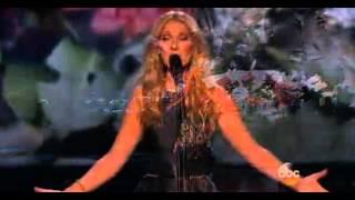 شاهد ... سيلين ديون تُغني لضحايا باريس في حفل 2015 AMA