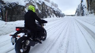 CRAZY BIKE TRIP EN LAPONIE 1/2 - ICE DRIFTING IN LAPLAND - OFFICIAL VIDEO MOTO JOURNAL