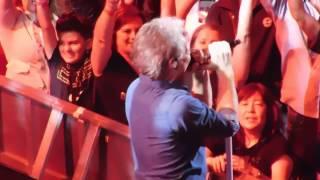Bon Jovi - Raise Your Hands (Live Chicago 2017)