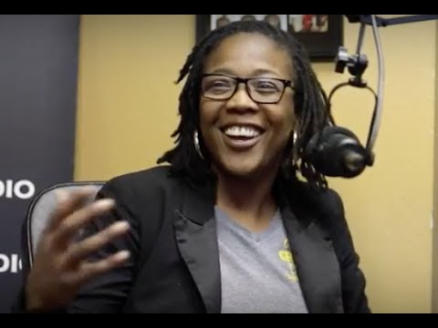 KIA PATTERSON of Grocery Outlet In Compton Reacts To Going Viral & Process of Owning Store