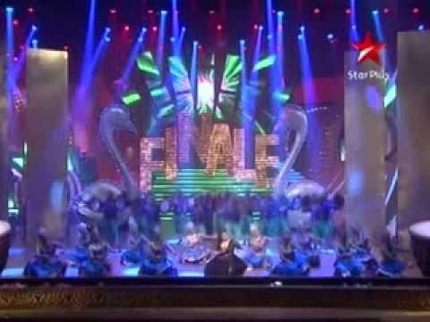 vaibhavi merchant performs live on just dance youtube