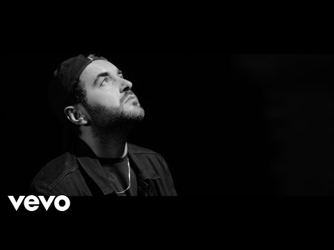 Chefket - Scheinwerferlicht (Official Video) on YouTube