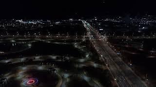 도시 야경, 조용히 흐르는 자동차들