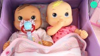 Mis bebés Mellizos COMEN PAPILLA la rutina de Mickey y Minnie en BB Juguetes