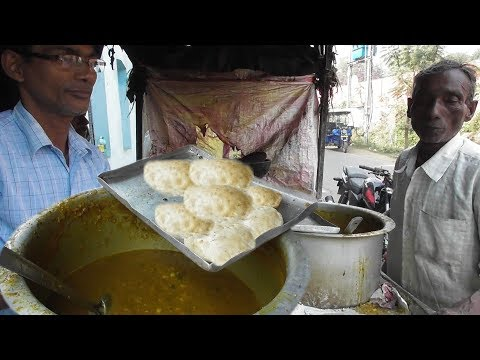 universal-cheapest-breakfast---2-dal-puri-with-curry-5-rs-($-0-070)---best-two-seller-brother