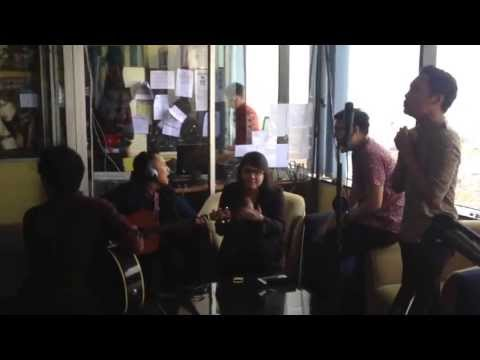 Kita Indonesia by SinceMF (acoustic version) at 99ers radio bandung.