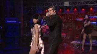 Смотреть клип Robin Thicke Ft. Nicki Minaj - Shakin' It 4 Daddy
