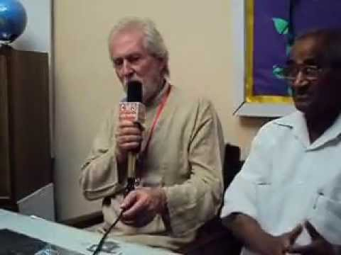 Tom Alter addressing the media here in Lucknow on Sunday