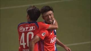 広瀬 健太(新潟)が右サイドからのCKを右足で合わせ、勝ち越し弾となる...