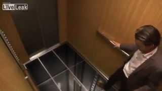 Розыгрыш в лифте-падение(, 2012-12-14T14:37:45.000Z)