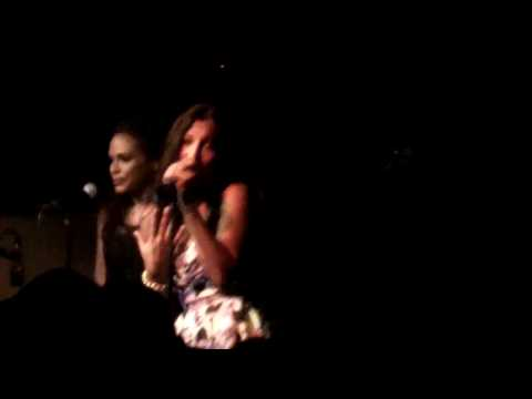 *NEW* Melanie Fiona - You Stop My Heart (Live In London)