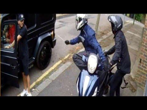 """На игрока """"Арсенал"""" напали с ножами в Лондоне. Колашинац выбежал защищать Месута с голыми руками"""