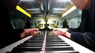 浜松駅新幹線コンコースのYAMAHAフルコンピアノで弾いてみた.