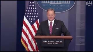 Rob Gronkowski interrupts Sean Spicer's press briefing