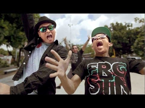 The Rain Feat Endank Soekamti - Terlatih Patah Hati (Music Video)