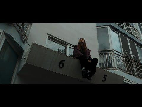 雨のパレード - Walk on (Official Music Video)
