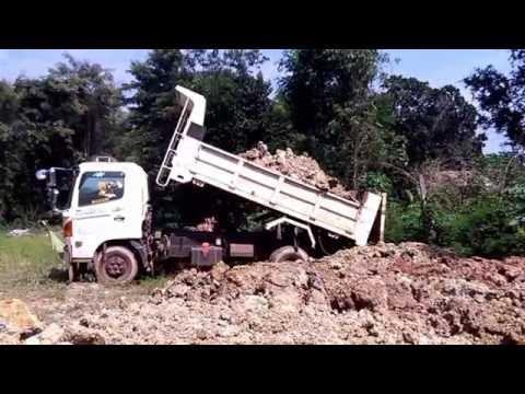 รถดั้ม 6 ล้อ  รถบรรทุก 6 ล้อเทดิน ถมที่  โดย ทีมงานสวนเชิงภู Trucks Thailand