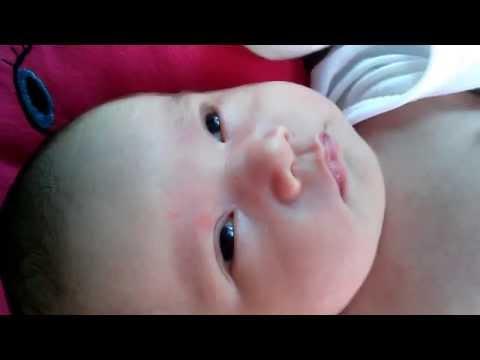 Berry Tắm Nắng   Cách tắm nắng cho trẻ sơ sinh   12-08-2014