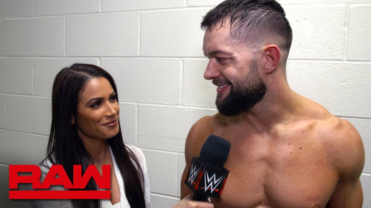 finn-blor-prepares-to-reclaim-the-universal-title-at-wwe-royal-rumble-raw-exclusive-jan-14-2019