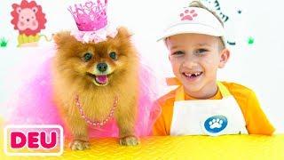 Nikita und Mama spielen Haustier Salon und verkleiden Spielzeug