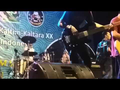 SLANK - TERLALU MANIS ( REGGAE VERSION ) LIVE KMM MUARA BADAK