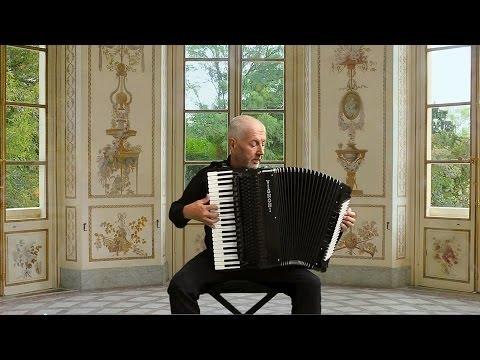 French Classical Accordion Music - Acordeon Instrumental - Rameau - Gigue en Rondeau  - Akkordeon