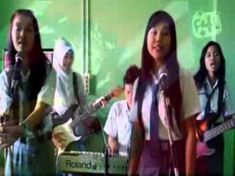 SMA N 1 KRADENAN lagu THE SHOW by LENKA ujian praktek 2013/2014.