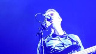 THE XX - ON HOLD - live PARIS Le Zénith 2017