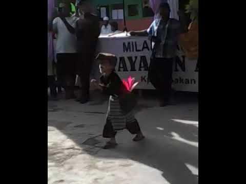 Viral. Lengser Cilik Dari Sukabumi. Kocak.