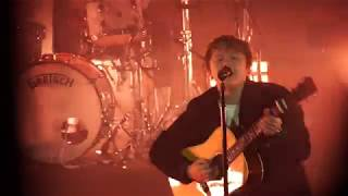 LEWIS CAPALDI - Hold Me While You Wait live in Paris (22/10/2019) Video