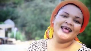 Download lagu Soma Mwanangu Bony Mwaitege feat Bahati Bukuku