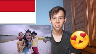 Video Siti Badriah - Lagi Syantik- Pretty Full (Official Music Video NAGASWARA) /  REACTION download MP3, 3GP, MP4, WEBM, AVI, FLV Agustus 2018