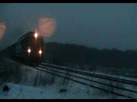 Trenuri noaptea pe 901