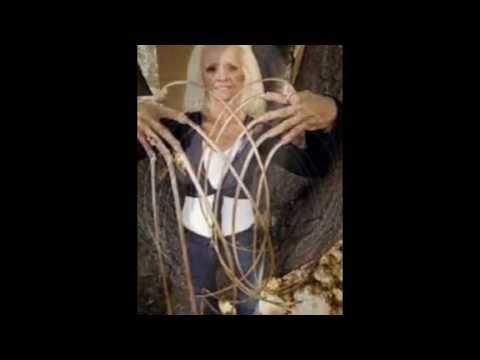 la femme au plus long ongles du monde youtube. Black Bedroom Furniture Sets. Home Design Ideas