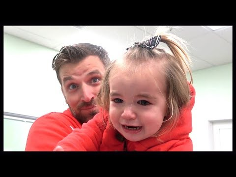 BABY DOESN'T RECOGNIZE DAD WITH NEW HAIRCUT!
