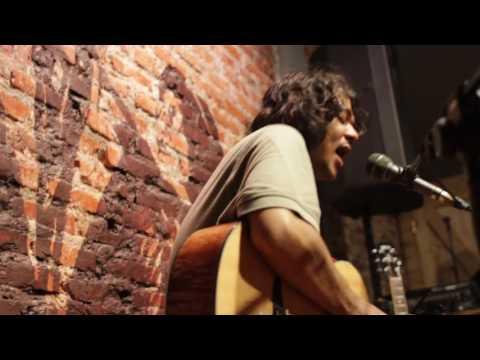 AO - Jason Ranti Live at Earhouse