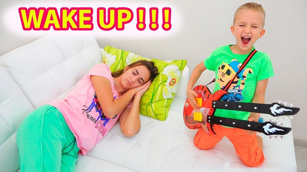 7c0767e575813 Vlad and Nikita play musical instruments and wake up Mom - YouTube