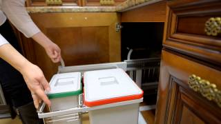 Выдвижные элементы в кухнях из массива(Выдвижные механизмы - важные элементы современной кухни. На видео представлены выдвижные механизмы полног..., 2014-09-23T09:47:51.000Z)