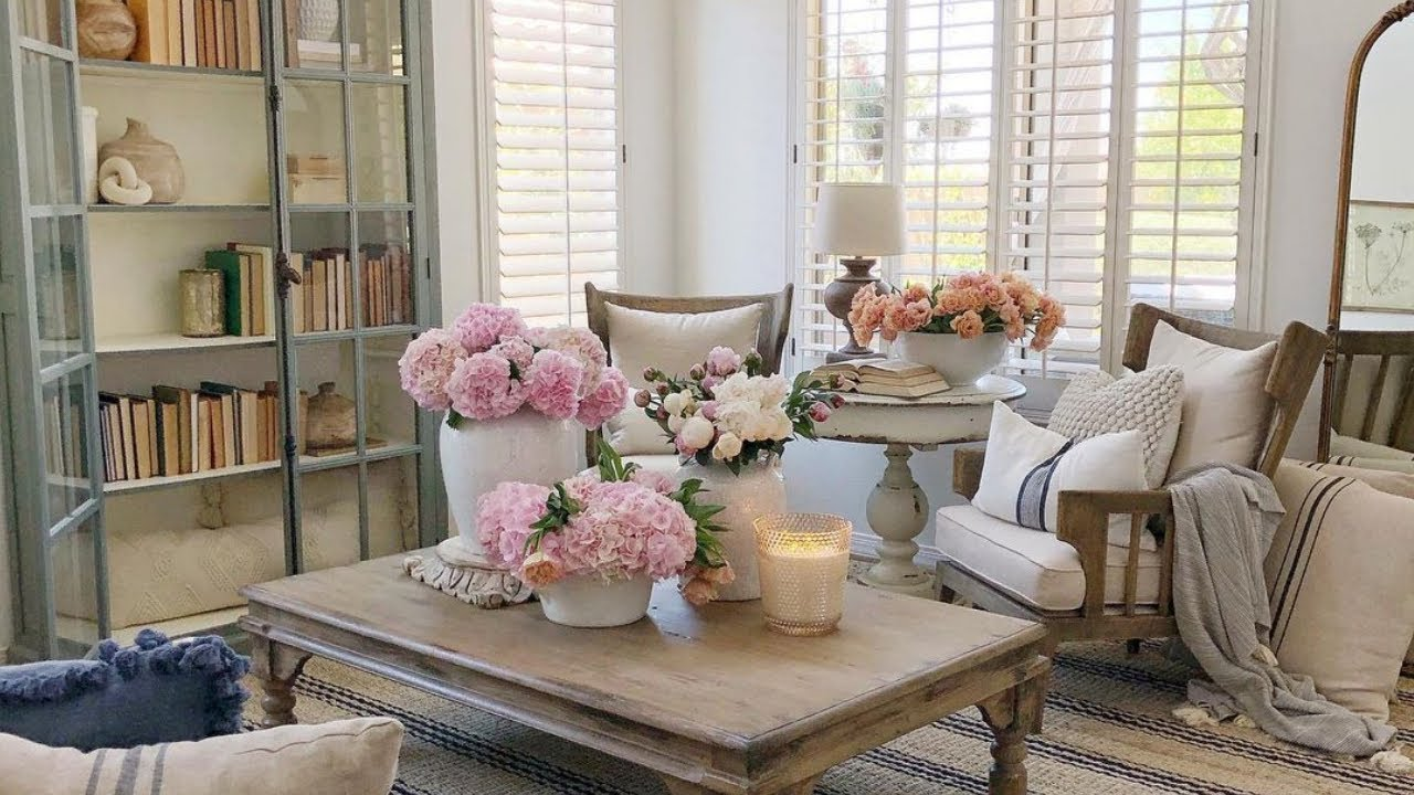 Amazing Tour Country Home Filled With Fresh Florals