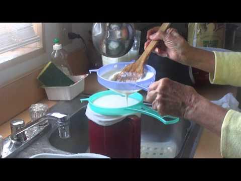Como hacer la leche de soya  (Hmna  Fanny Otavo- la mision)