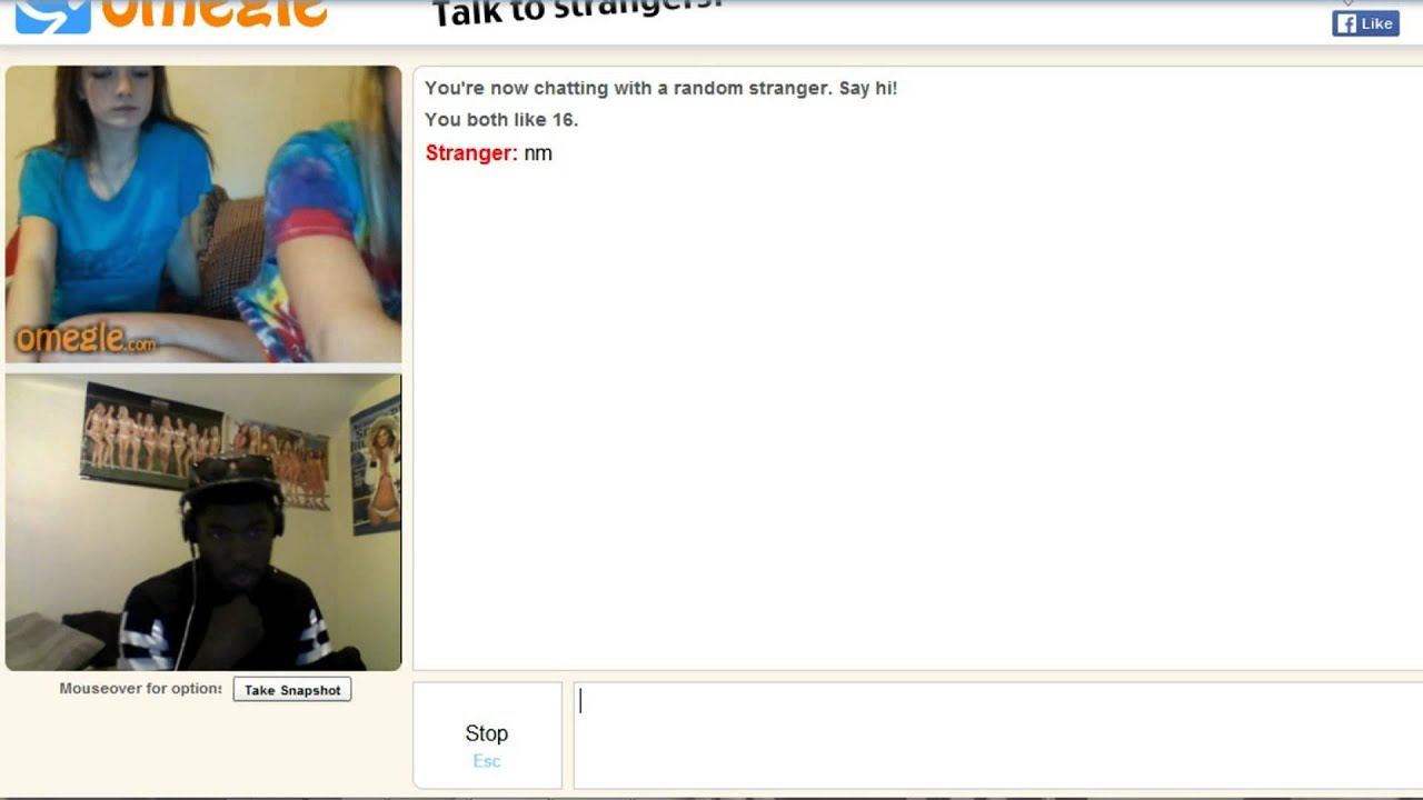 Girl shows boobs on omegle